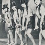 1927, a Berlino, zona di Kurfürstendamm. Le ballerine di un cabaret si esibiscono nella nuova moda proveniente dagli Stati Uniti: il Charleston