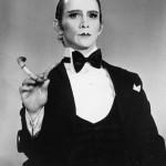 "Joel Gray, ""Emcee"" di ""Cabaret"" nel 1972"