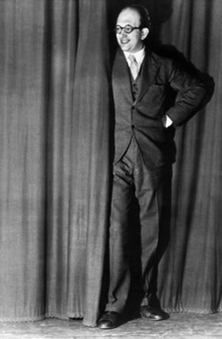 Werner Finck al Die Katakombe nel 1933
