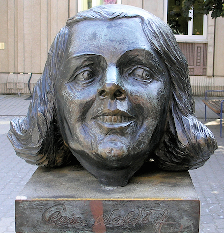 Il monumento a Claire Waldoff in Friedrichstraße, a Berlino
